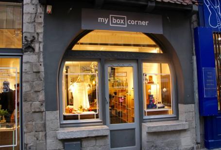 Devanture du concept-store My Box corner à Lille par Chicon Choc