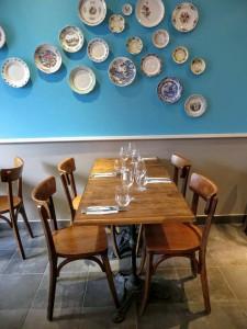 Décoration assiette au mur restaurant la consigne JB Lebas lille