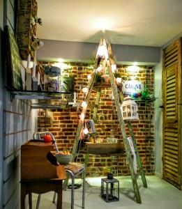 Échelle en bois philhomene brocante et décoration lille