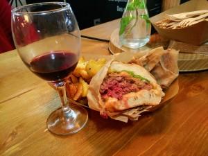 Burger canard foie gras canard street marché wazemmes lille
