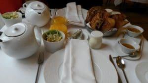 petit dejeuner hotel cinq etoiles le clarance lille