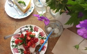 limpertinente-pavlova-fruitsrouges-cake-citron
