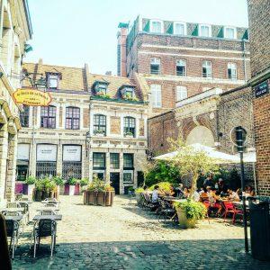 Terrasse lille restaurant place aux oignons